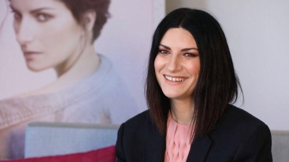 """""""J'écoutais beaucoup Johnny quand j'étais petite"""" Laura Pausini touchante en interview (vidéo)"""