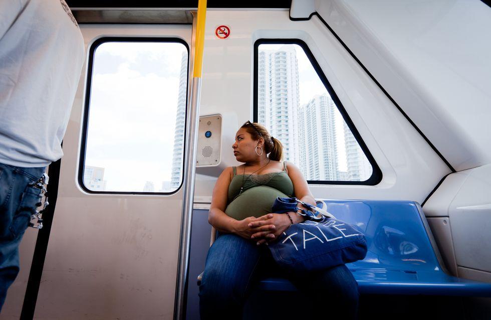 A Paris, une femme accouche dans le RER et interrompt tout le trafic