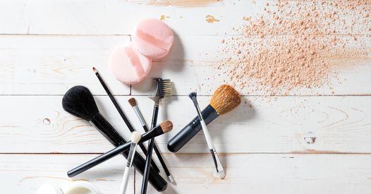 Resultado de imagen para utensilios básicos para la limpieza femenina