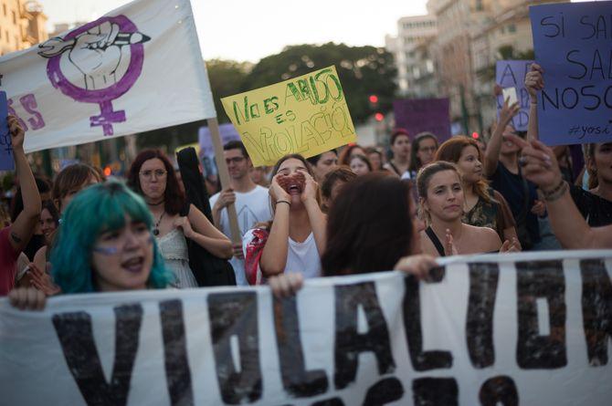 """WTF ?! L'Espagne décide de libérer les cinq violeurs de """"La Meute"""""""