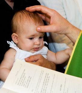 Le prêtre qui avait giflé l'enfant sort du silence pour expliquer son geste