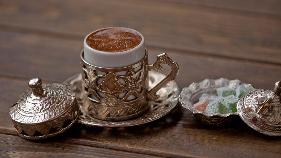 ¿Cómo leer los posos del café? 15 figuras y sus significados