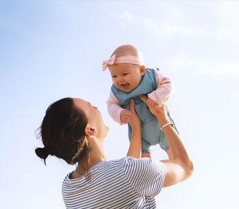 Shhh, das Baby schläft! 6 Alltags-Probleme aller Neu-Mamas