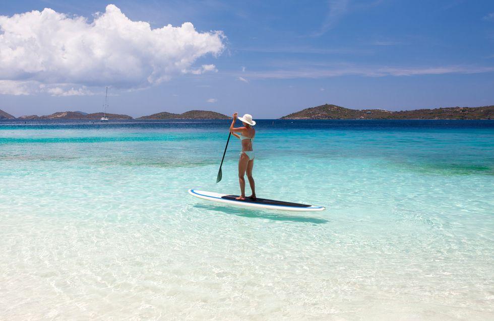 Leçon de stand-up paddle pour allier balade, gainage et bronzette en même temps