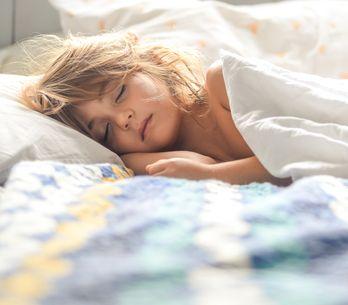 Bettnässen: Warum Kinder plötzlich wieder in die Hose machen