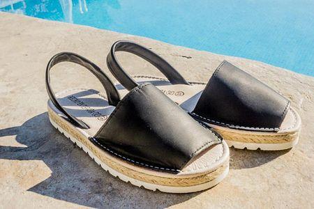 Sandali per nascondere l'alluce valgo: i 5 modelli più cool!