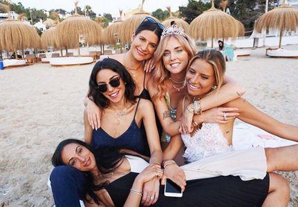 Chiara Ferragni y sus amigas