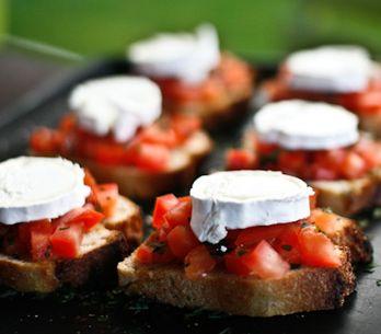 Bruschette con pane raffermo: idee gustose per riutilizzare il pane!