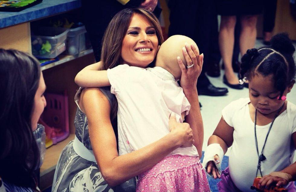 Auprès des enfants malades, Melania Trump attendrit toute l'Amérique
