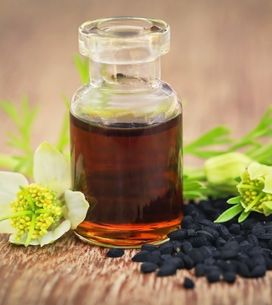 L'huile de nigelle, l'alliée beauté des cheveux et de la peau