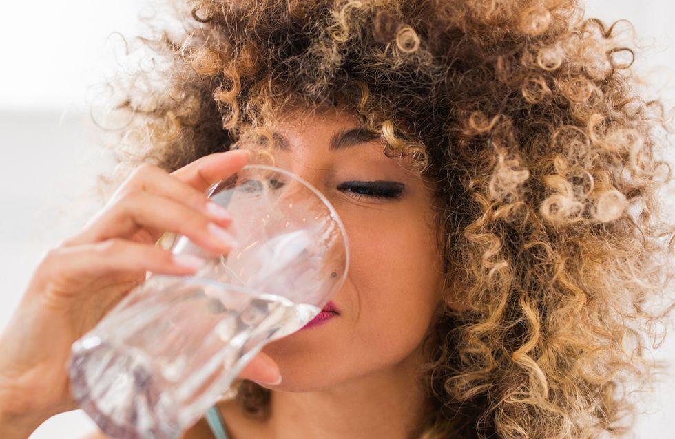 Wasser trinken: DAS passiert, wenn du täglich 8 Gläser trinkst!