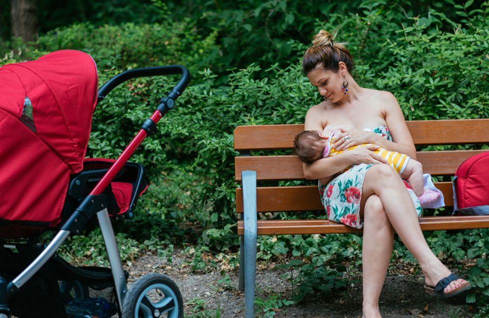 Honteux ! Cette maman se fait ouvertement critiquer par une femme pour avoir allaité en public