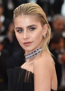 Frisuren ohne Föhnen: Wet-Hair-Look