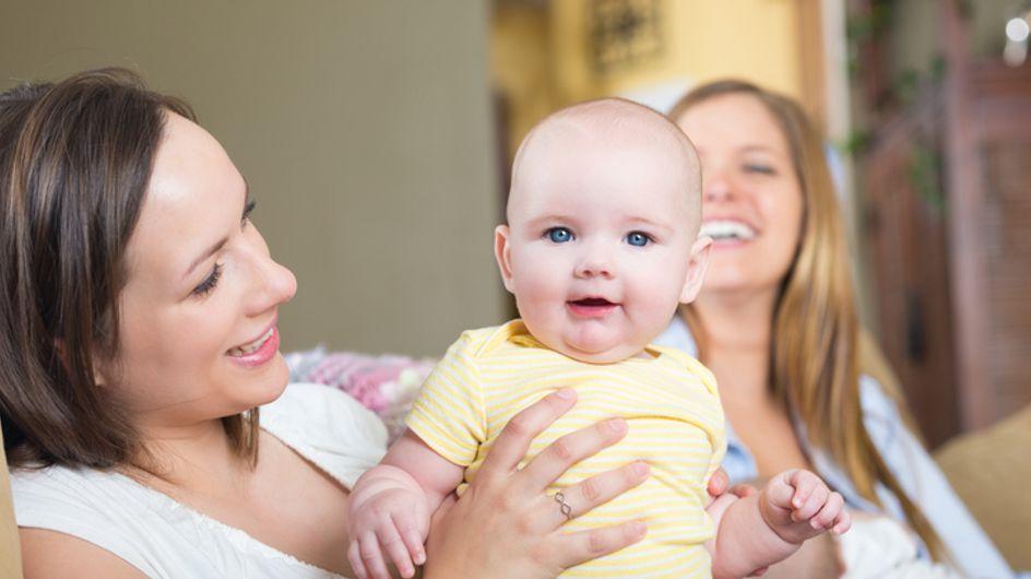On vous explique pourquoi vous allez adorer faire une fête post-partum après votre accouchement