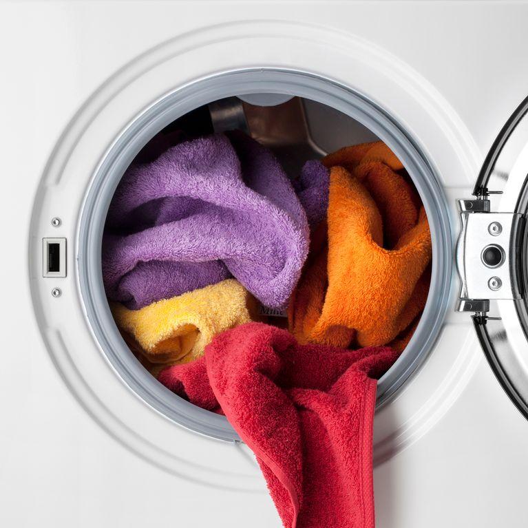 Gut bekannt Wäsche stinkt nach dem Waschen: DAS hilft wirklich! FA67