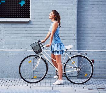 Fahrradfahren mit Rock oder Kleid: DIESEN genialen Trick musst du kennen!