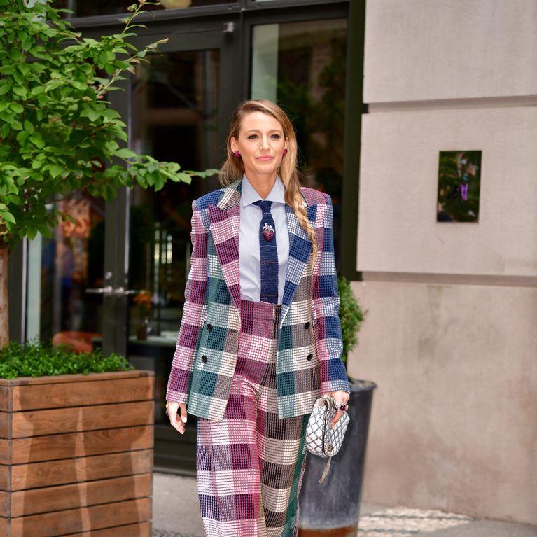 brillance des couleurs comment chercher Style classique Blake Lively craque pour le tailleur-pantalon (photos)