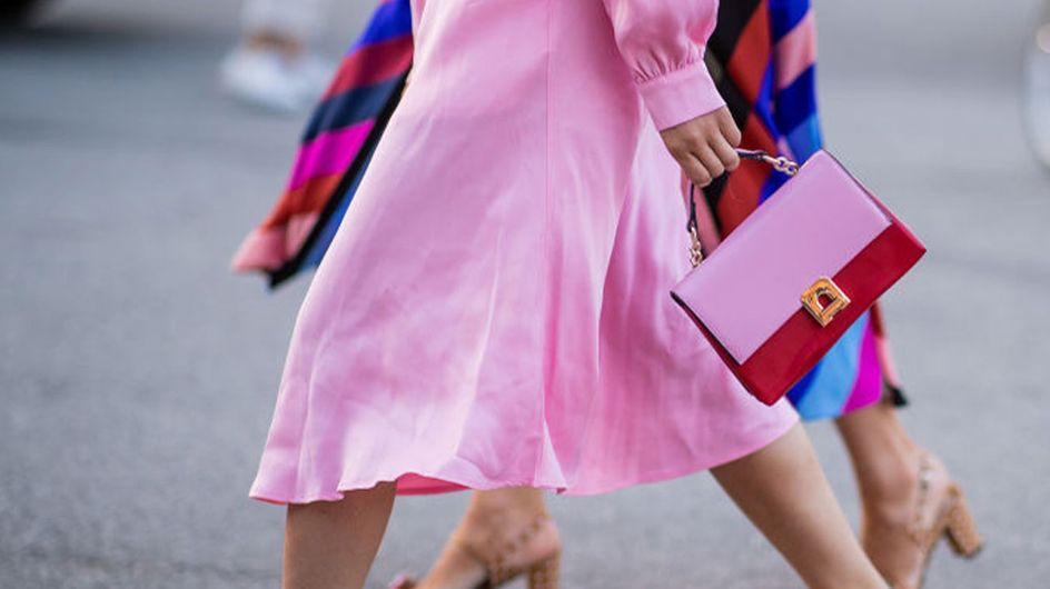 DAS Trend-Duo im Spätsommer: So stylst du Sneaker zum Kleid!