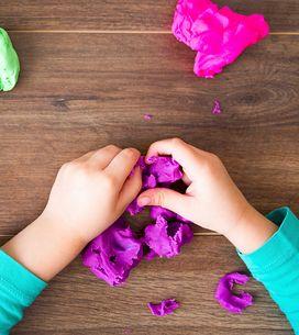 Por qué tu hijo debería jugar con plastilina