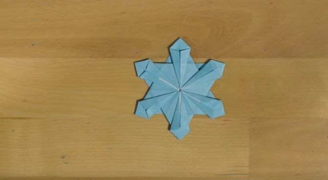 L'origami flocon terminé