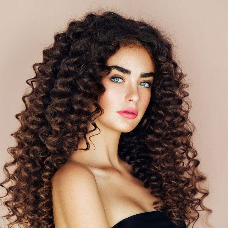 Cheveux Bouclés Et Frisés Comment Entretenir Une Permanente