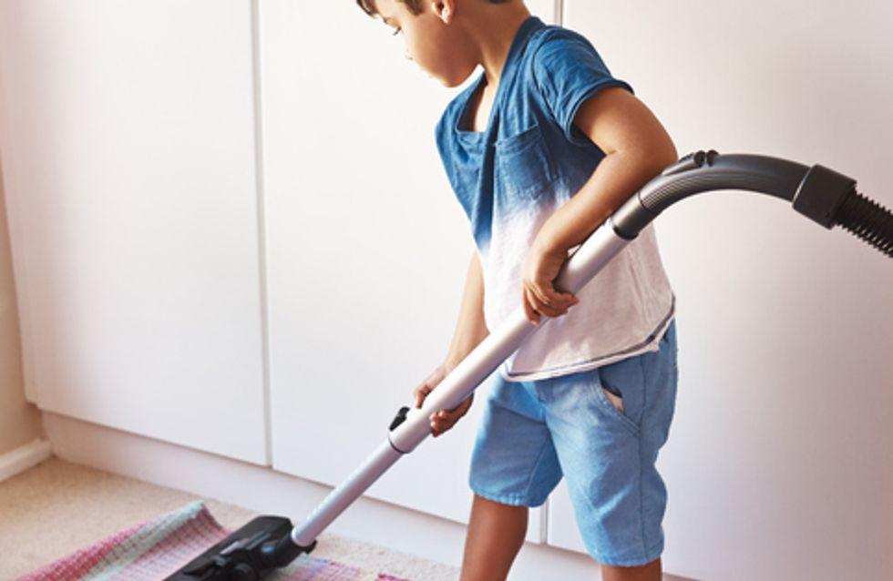4 Tricks, mit denen du es schaffst, dass die Kinder im Haushalt helfen
