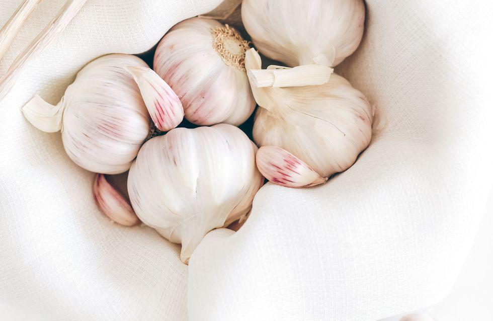 Knoblauchgeruch loswerden: Die besten Tipps und Hausmittel gegen den Mief