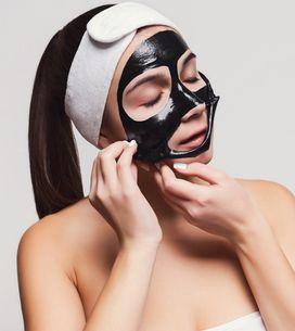 Horreur ! Elle retire son black mask... et s'arrache les sourcils (Vidéo)