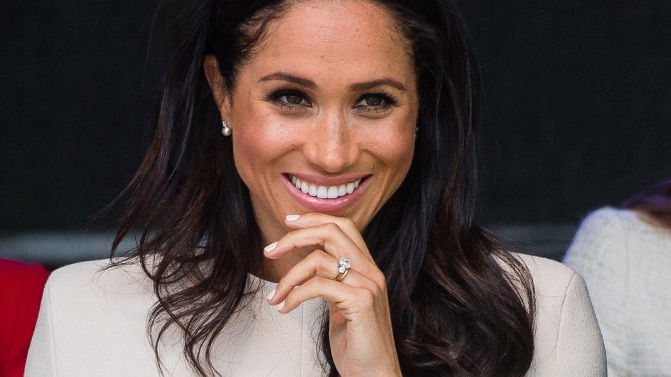 Un documentaire sur la famille royale dévoile Meghan Markle qui découvre sa robe de mariée