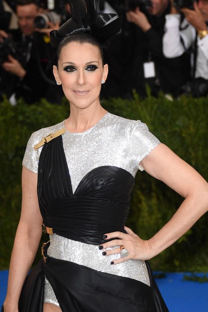 Céline Dion adopte la frange et on adore (photos)