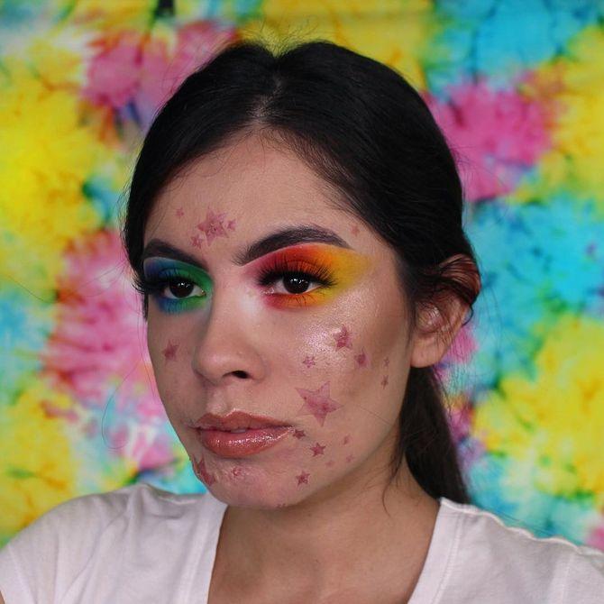 Grâce au maquillage, elle transforme son acné en une constellation et c'est magnifique ! (photos)