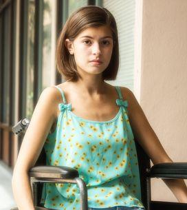 Révoltée par le refus de l'accès à la cabine d'essayage pour sa fille handicapée