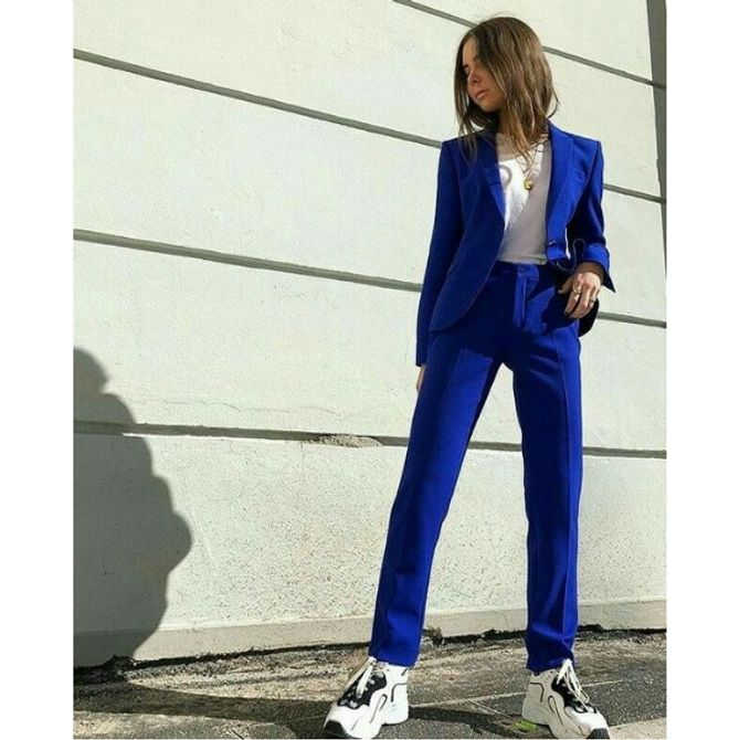 Look eleganti con chunky sneakers
