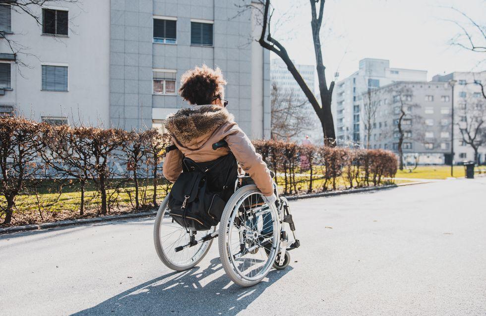 Une maman handicapée tabassée alors qu'elle voulait défendre son fils