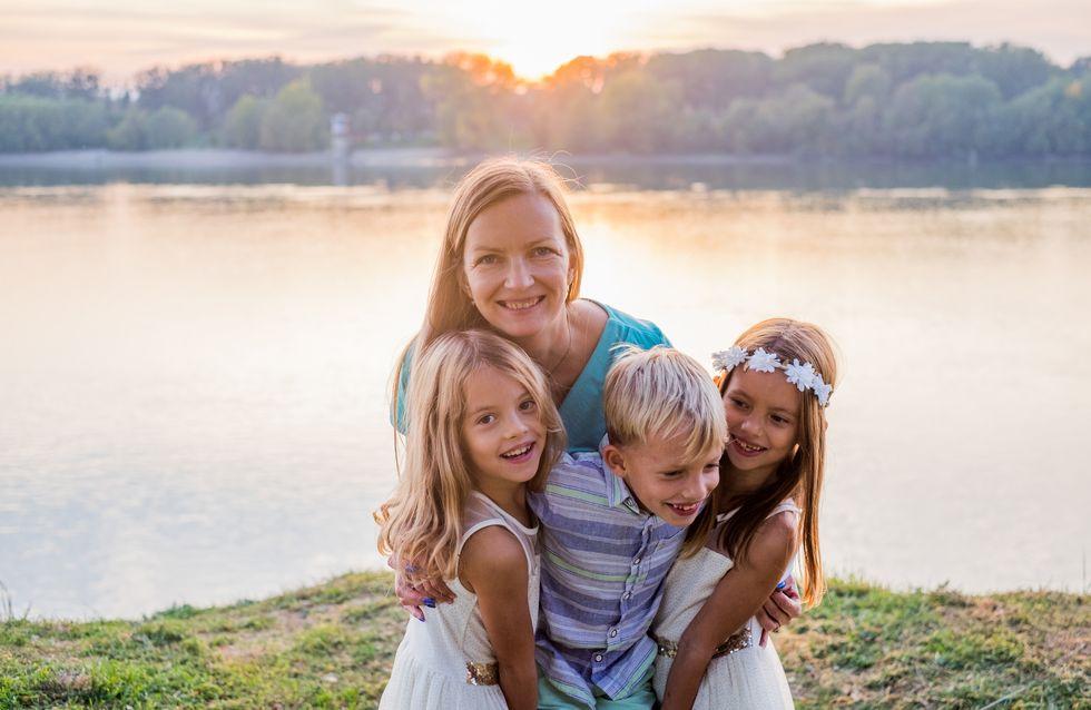 Les mamans de trois enfants seraient les plus stressées