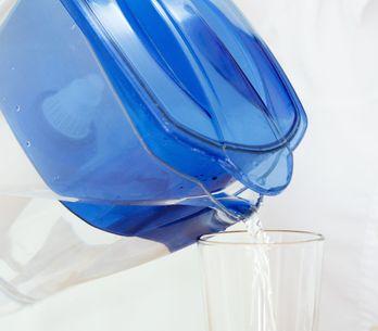 Carafe filtrante : Est-ce vraiment utile de filtrer son eau ?
