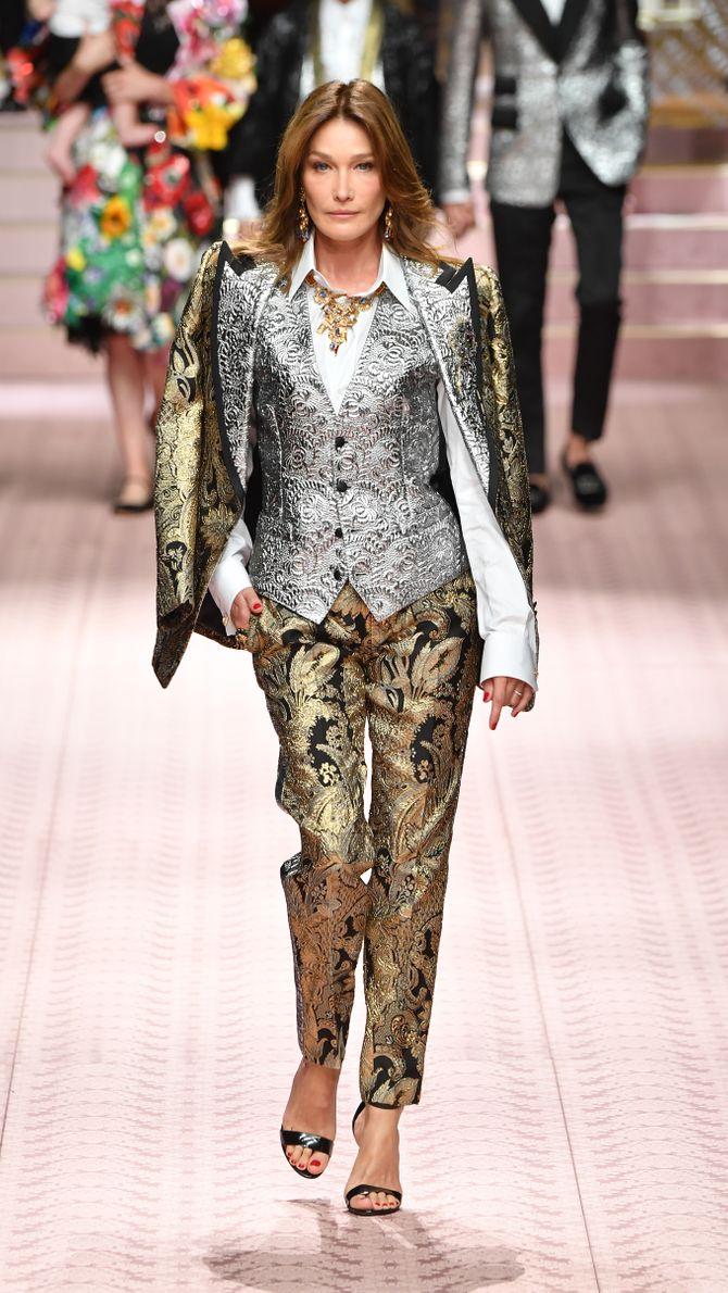 Carla Bruni totalement métamorphosée en couverture de Vogue Italia (Photos)
