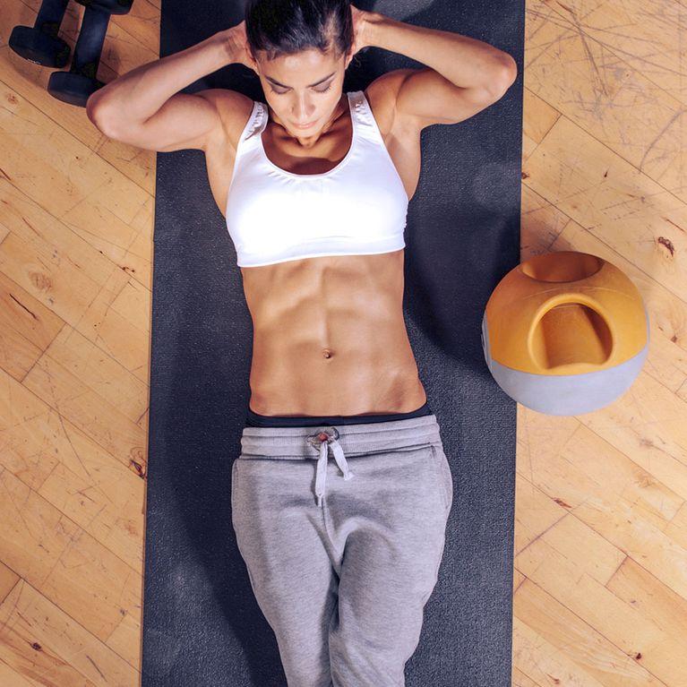 Bauchmuskeln Trainieren 3 Simple übungen Für Einen Flachen Bauch