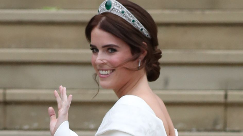 La robe de mariée de la princesse Eugenie laissait voir sa longue cicatrice, et ce n'est pas anodin