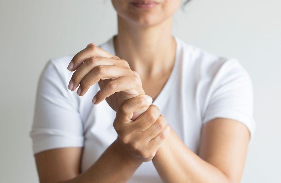 Sa main se retrouve paralysée après le retrait de son implant contraceptif