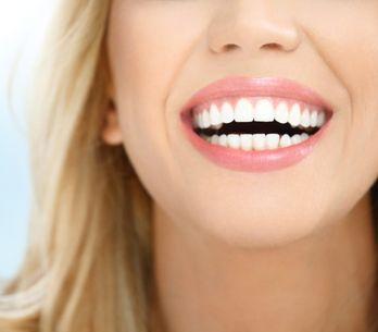 Le citron, l'allié des dents blanches