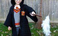 Cette maman crée des costumes d'Halloween au crochet pour ses fils et c'est vrai