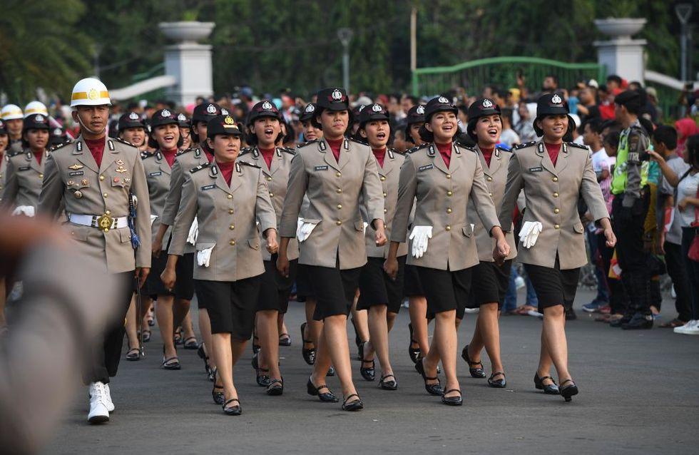 En Indonésie, pour être policière, les femmes doivent se soumettre à un test de virginité inhumain