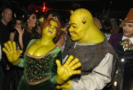 Heidi Klum fait sensation avec un nouveau costume d'Halloween impressionnant