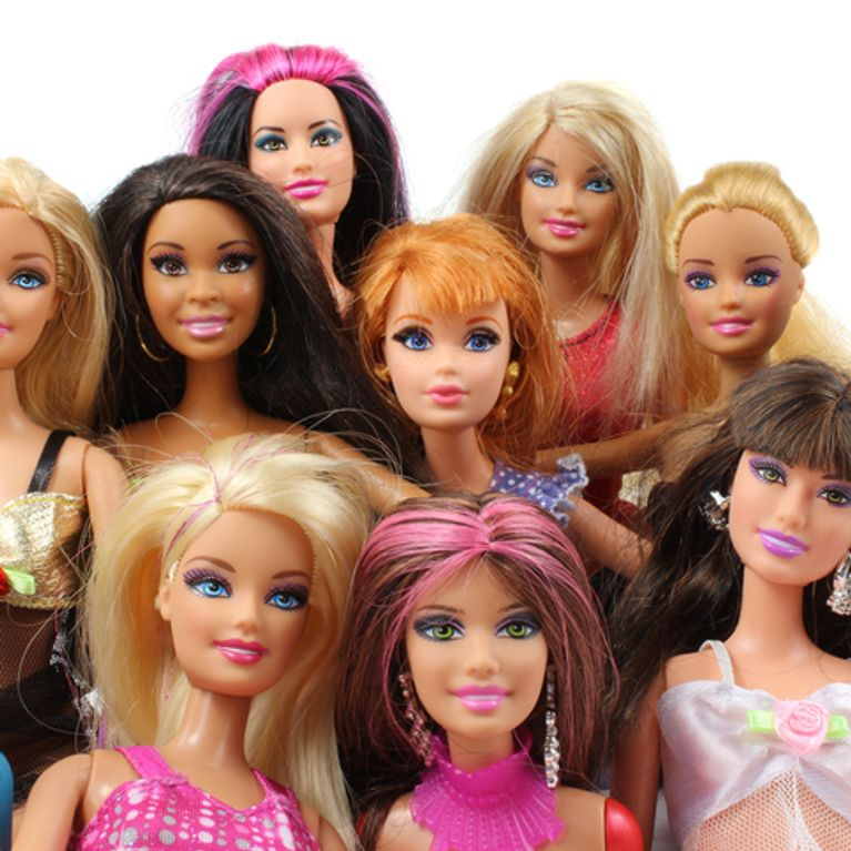 Muñeca Barbie7 Del De Más Mundo Juguetes Famosa La 6Y7yfmIbgv