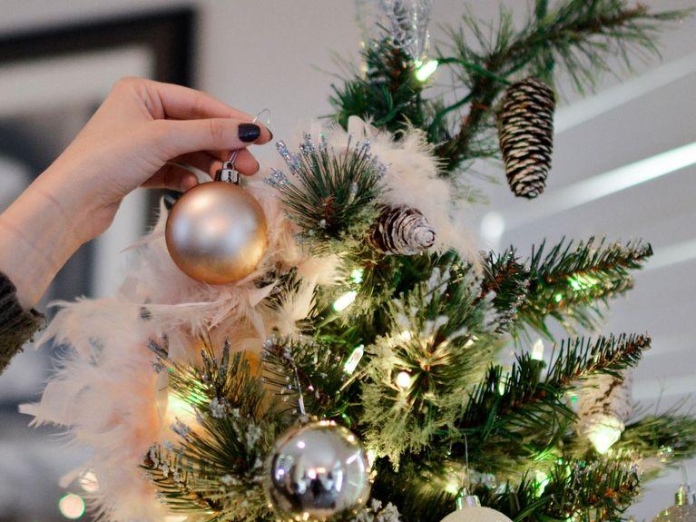 Albero Di Natale Con Decorazioni Blu : 4 tendenze di decorazione per albero di natale