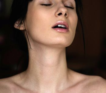 Good Vibrations! 7 geniale Tricks für noch mehr Spaß mit deinem Sextoy