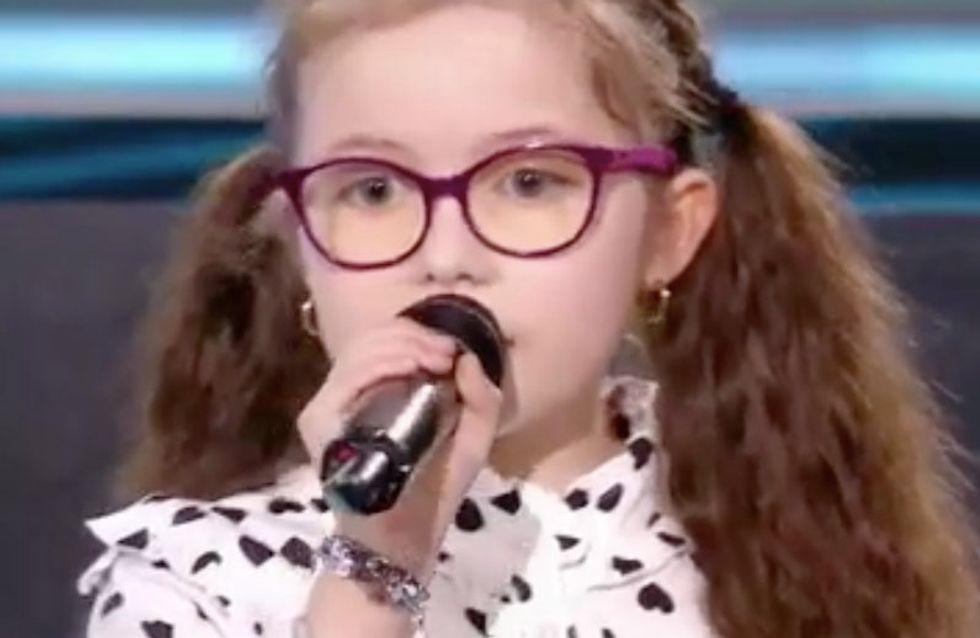 """The Voice Kids : Emma remporte son battle avec """"Tous les cris, les SOS"""" (Vidéo)"""