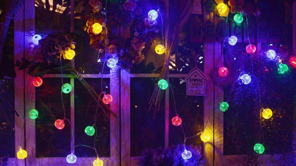 Décorez votre maison grâce à ces guirlandes lumineuses d'extérieur