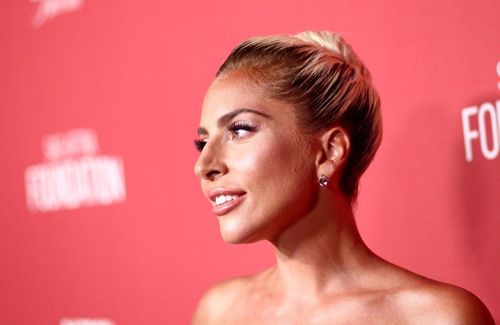 Lady Gaga au comble du glamour dans un look masculin-féminin